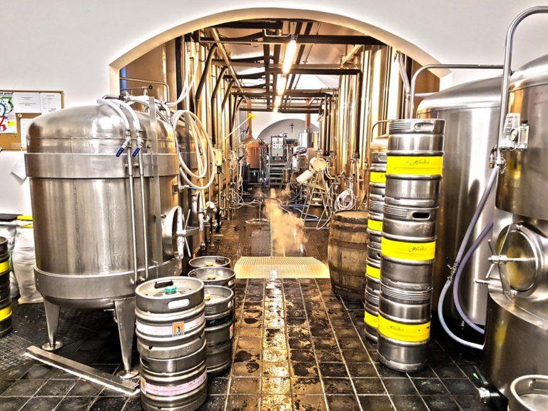Pivovary loni navařily rekordních 21,6 milionu hektolitrů piva. Další růst ale zastaví koronavirus