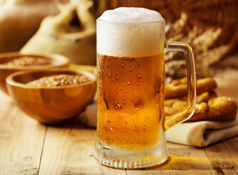 V Bavorsku začal Oktoberfest. Pivo zdražilo, návštěvníci ho vypijí kolem sedmi milionů litrů