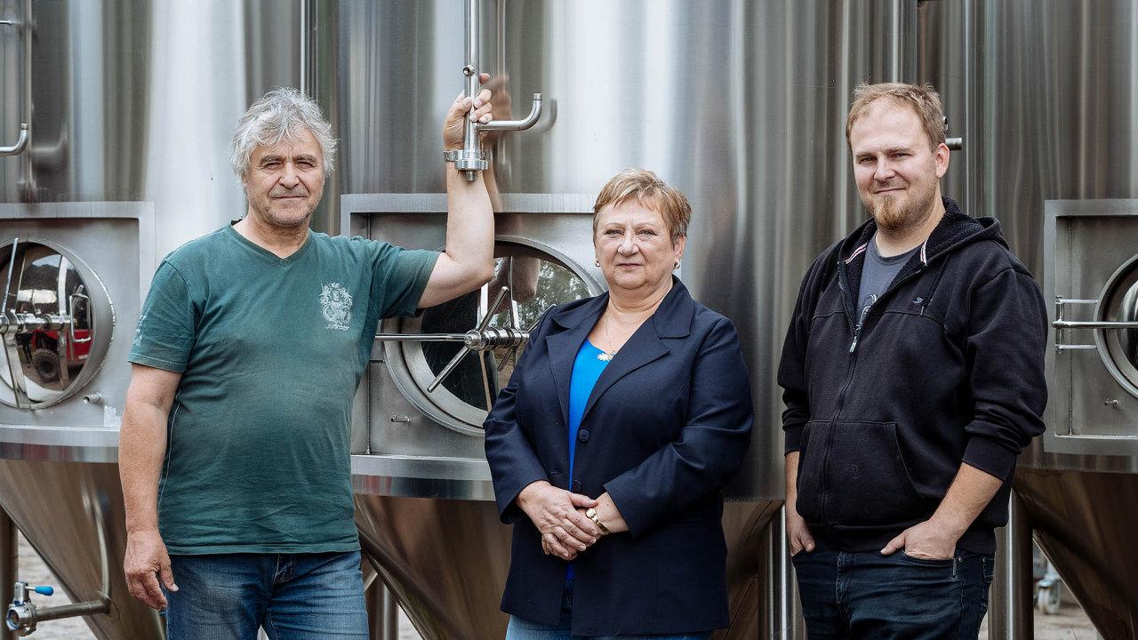 Snáze se dostáváme na trhy, kde vaření piva nemá tradici, říkají Homolovi vyrábějící příslušenství do minipivovarů