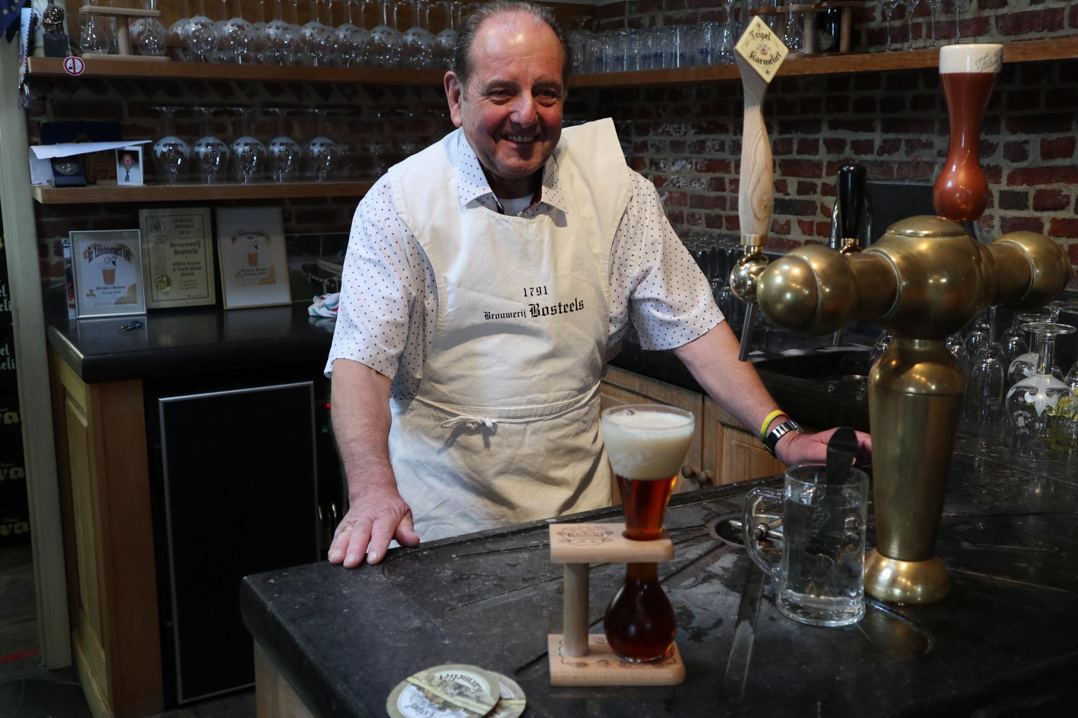 Ke každému pivu mají Belgičané speciální sklenici. Má vliv na chuť, tvrdí