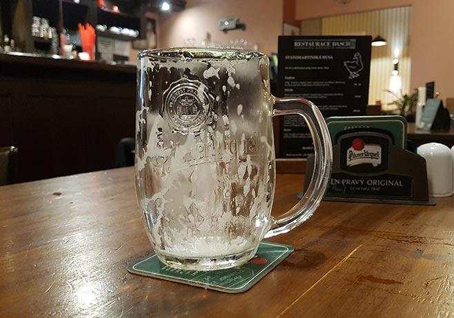 Spotřeba piva je u mužů jedna z nejnižších za 14 let, naopak u žen nejvyšší.