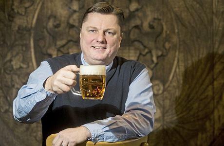 Nealkoholické pivo s ovocem zažívá boom. Je to inovace desetiletí, tvrdí ředitel Staropramene