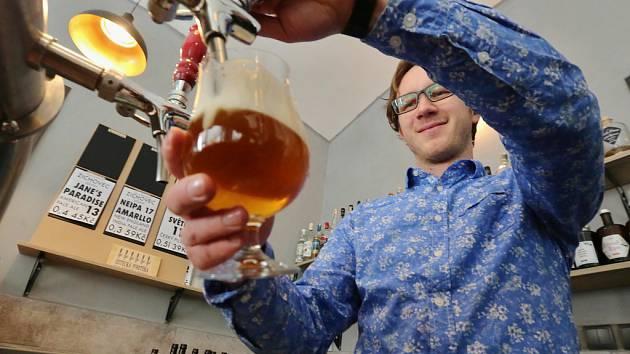 """""""Pití piva může být zážitek,"""" říkají provozovatelé Ústecké pivotéky"""
