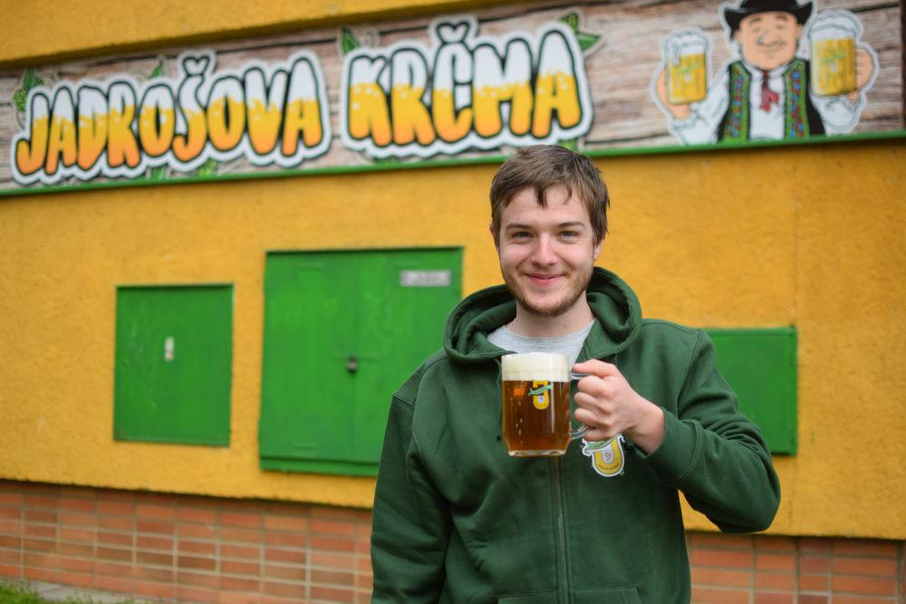 Pivovar Jadrníček má třetí nejlepší pivo světa. Ochutnat ho můžete v Jadrošově Krčmě