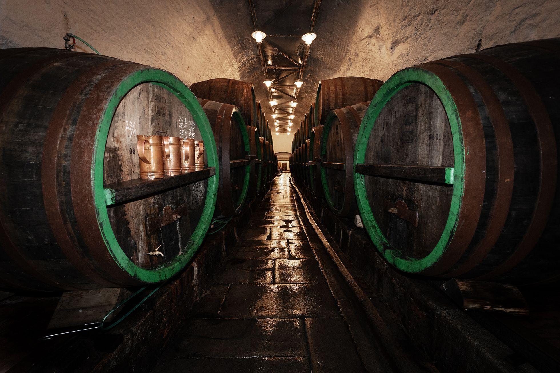 V labyrintu sklepů pod Plzní. Má devět kilometrů a pivo tam dělají ještě postaru