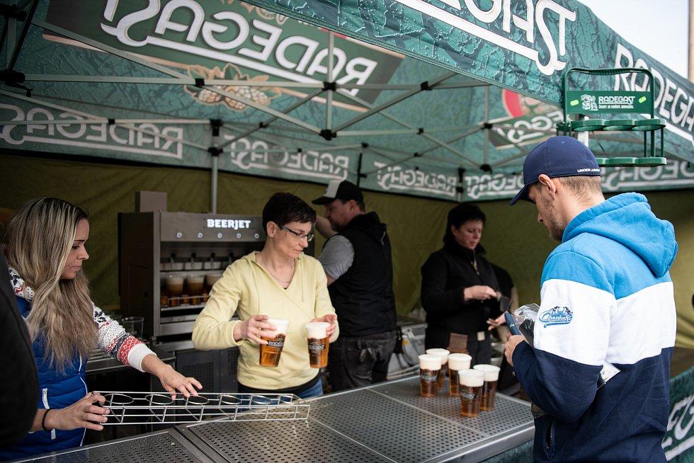 pivovari-pivovary-novinky-redegast-otestoval-beerjet-az-30-piv-za-minutu-05