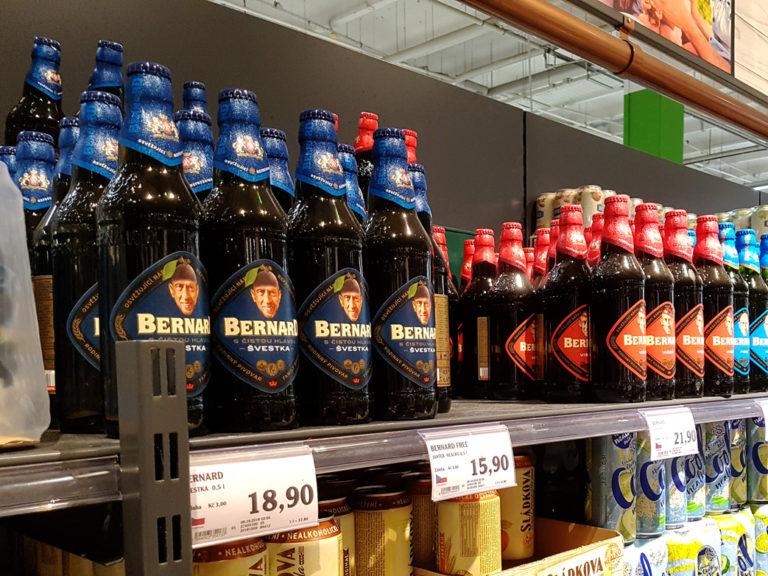 Bojištěm pro pivovary se stává nealko trh. Trendem je plechovka a hledání chytré pípy