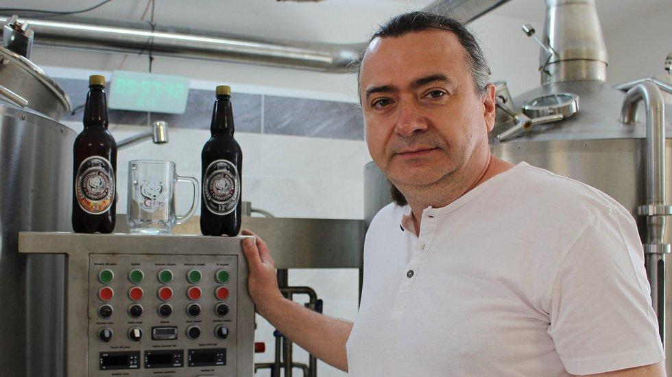 V černotínském minipivovaru vaří zlaté pivo
