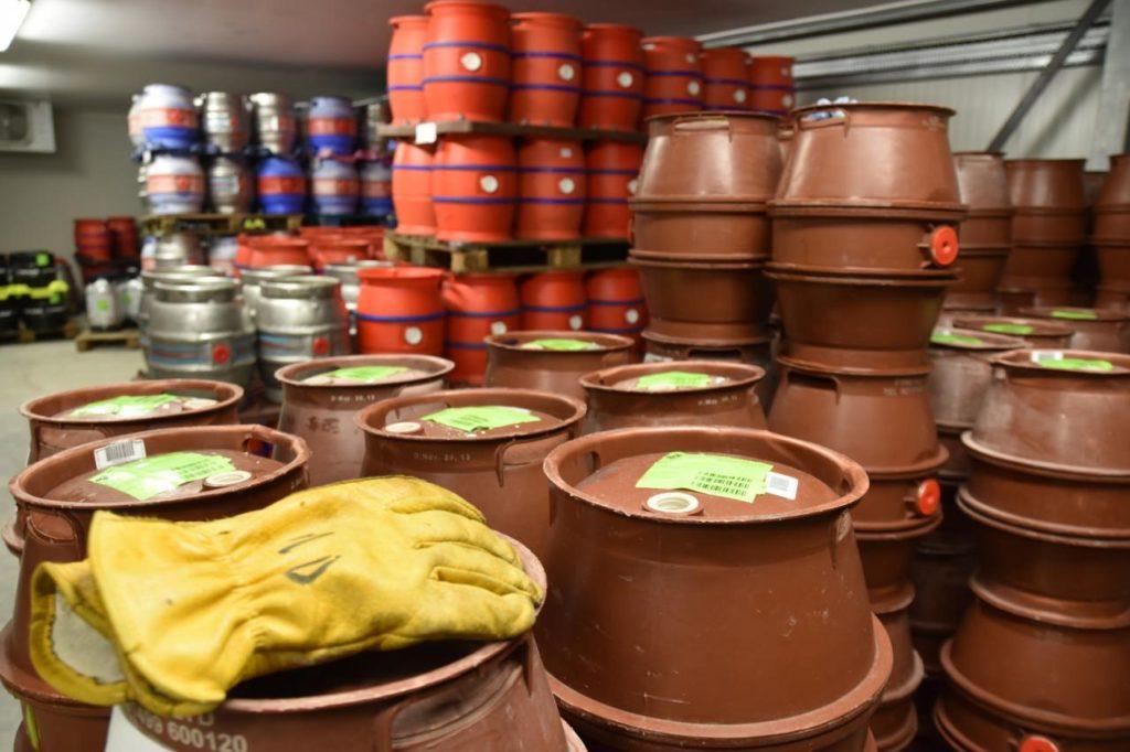 pivovari-pivovary-novinky-skotsky-pivovar-farm-brewery-vsadil-na-destovku-04