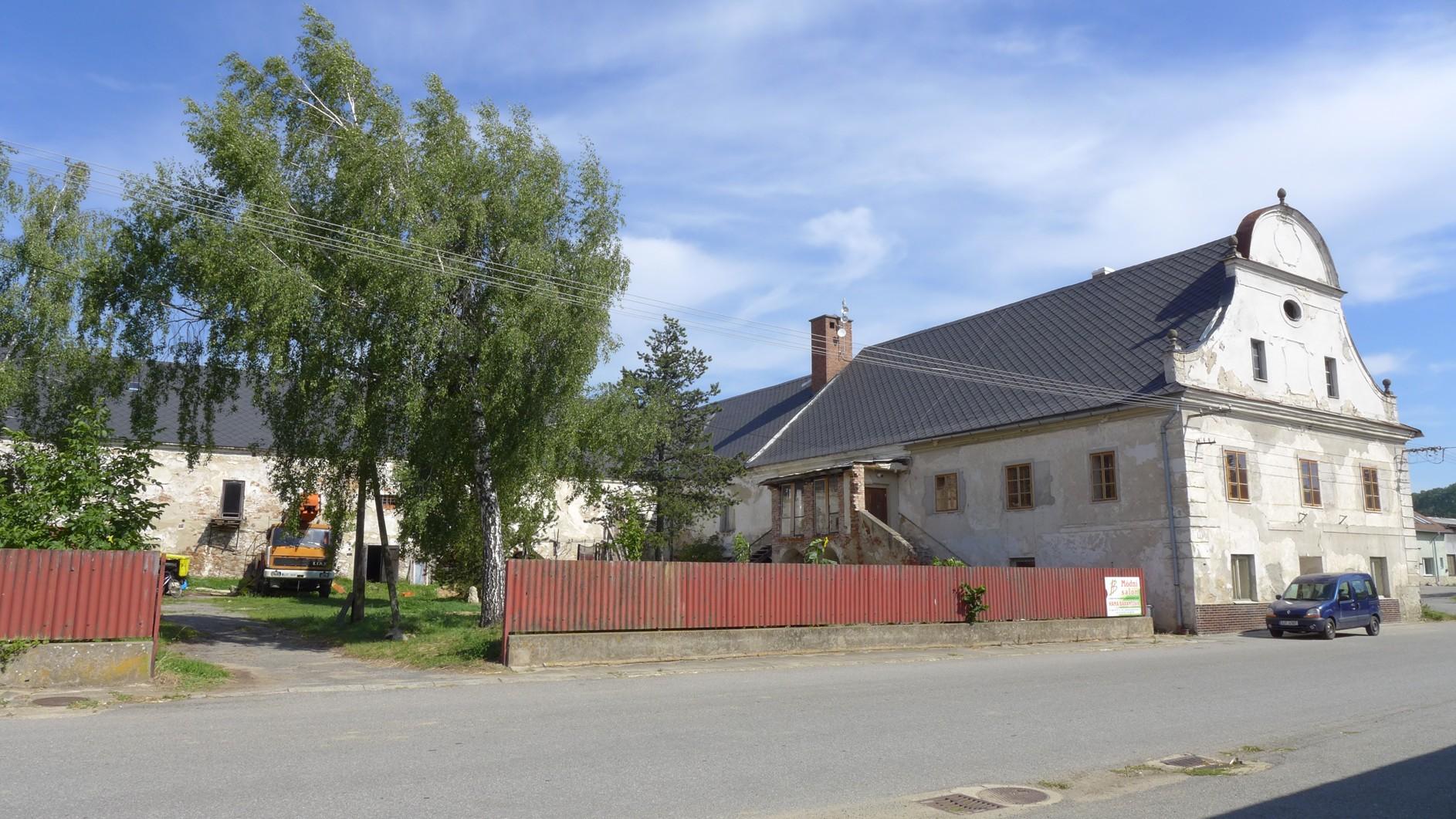 Čechtínský historický pivovar pomáhají opravovat dobrovolníci
