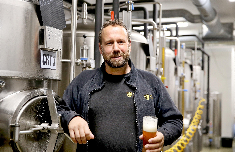 Na léto snižujeme obsah alkoholu, piv se pak dá vypít víc, říká sládek