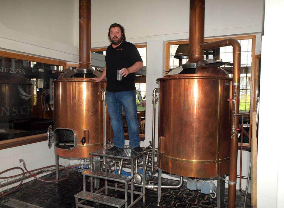 pivovari-pivovary-novinky-spravny-pivni-rizek-podnikatel-z-bruntalu-vari-pivo-v-prvorepublikove-fabrice-03