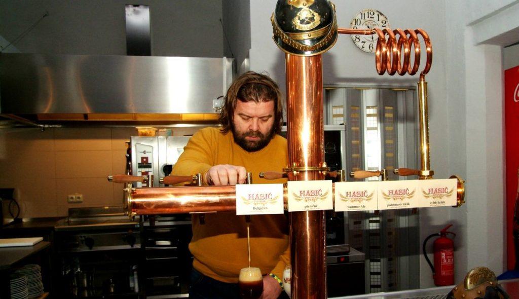 pivovari-pivovary-novinky-spravny-pivni-rizek-podnikatel-z-bruntalu-vari-pivo-v-prvorepublikove-fabrice