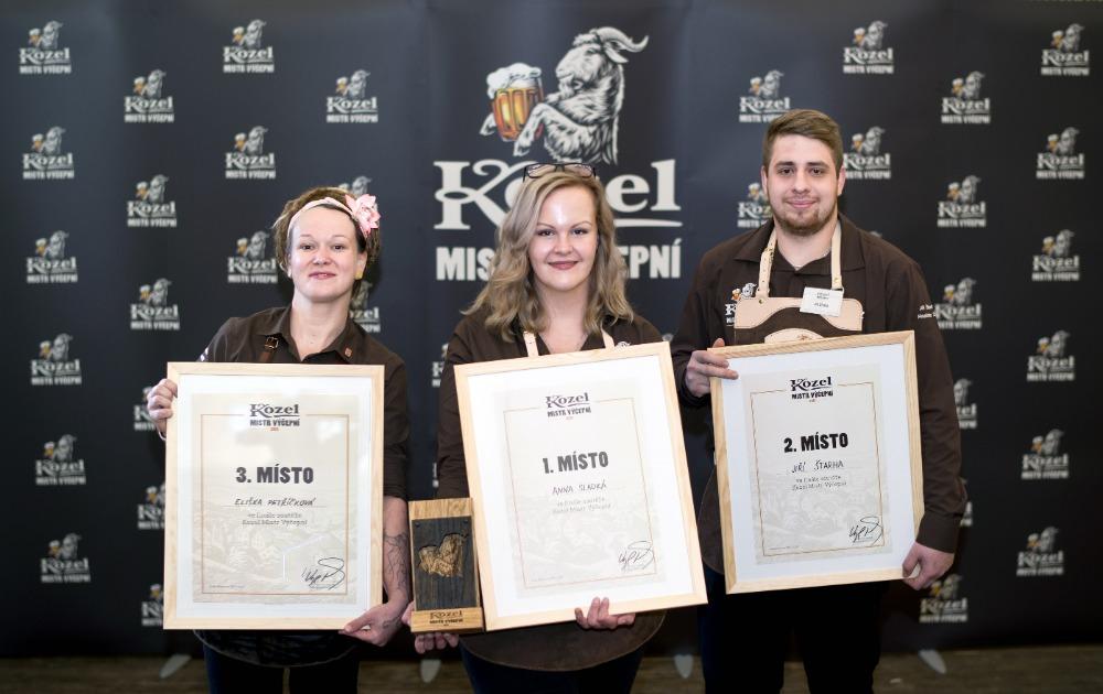 Velkopopovický pivovar udělil premiérový titul Kozel Mistr výčepní. Stala se jím Anna Sladká z Kozlovny Bystřice nad Pernštejnem