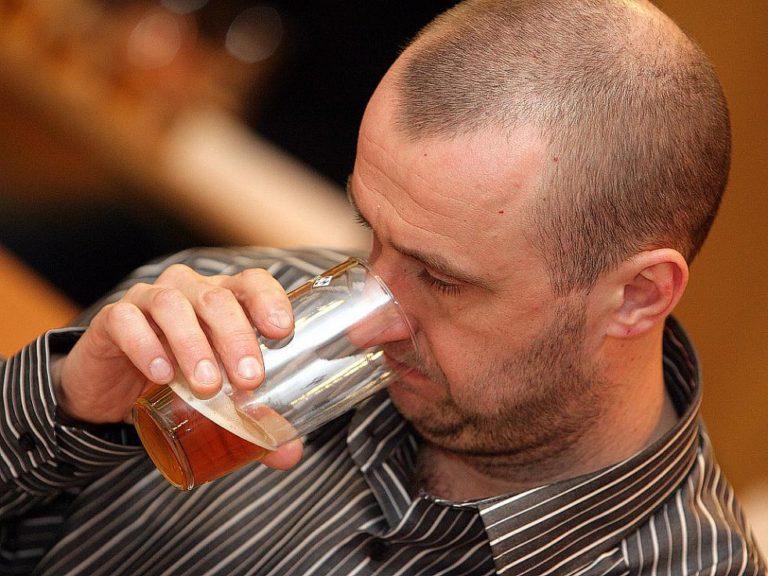 Dvě stovky degustujících hodnotily při tradiční Dočesné 151 vzorků piv