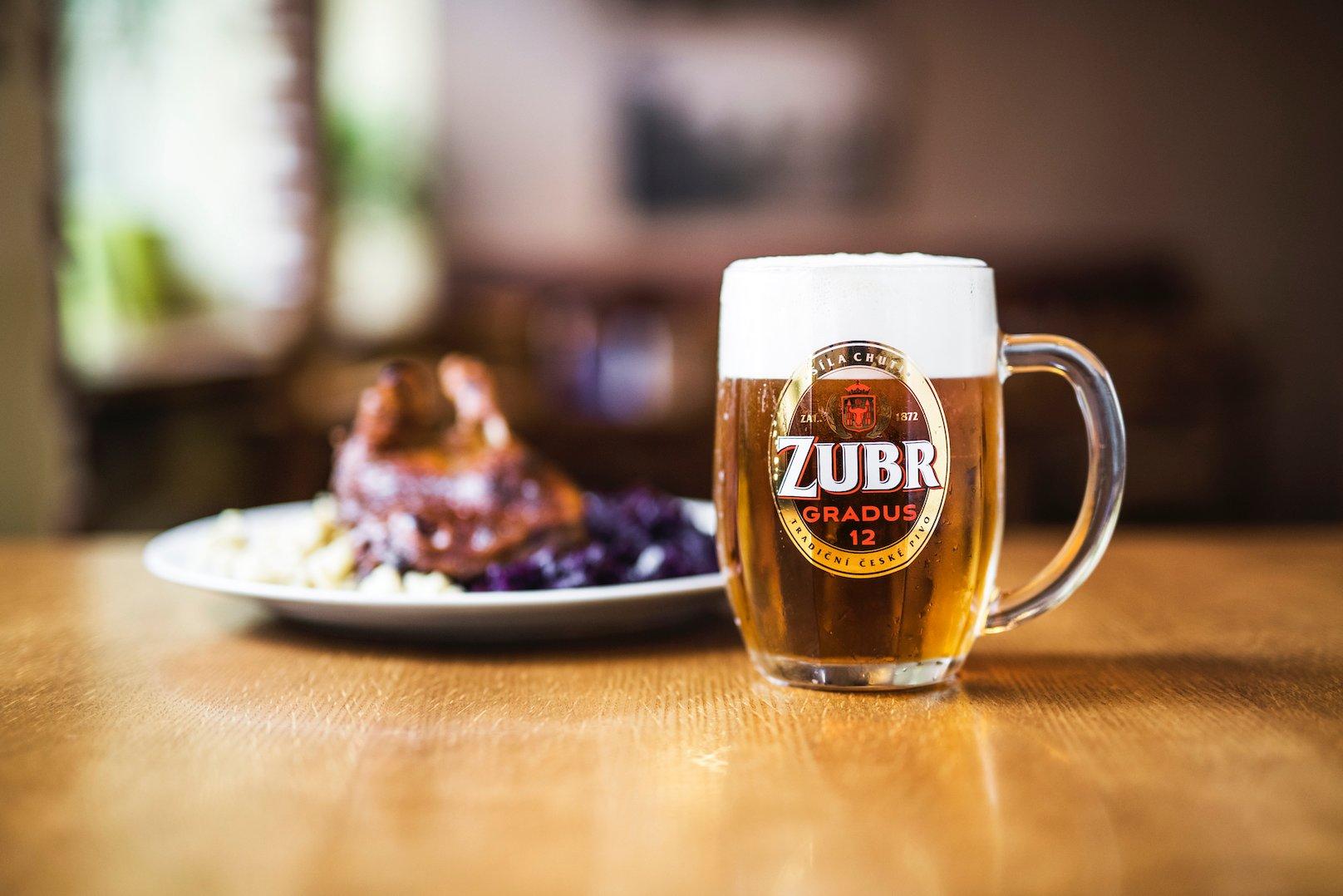 Šampionem soutěže lahvových piv je Zubr Gradus