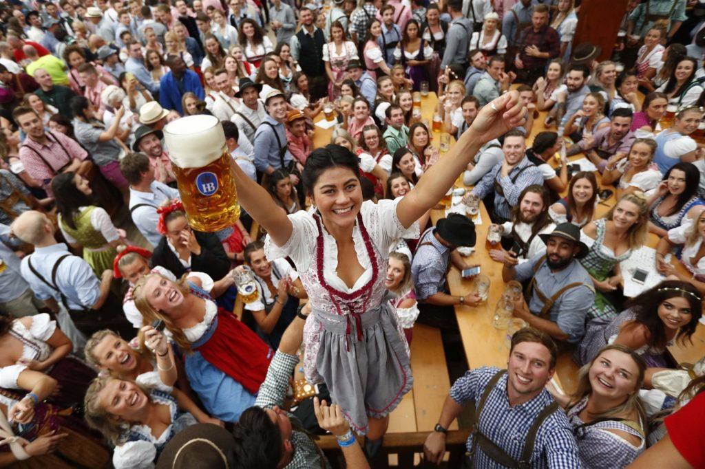 pivovari-pivovary-novinky-na-oktoberfestu-se-vypilo-pres-7-milionu-litru-piva-2019