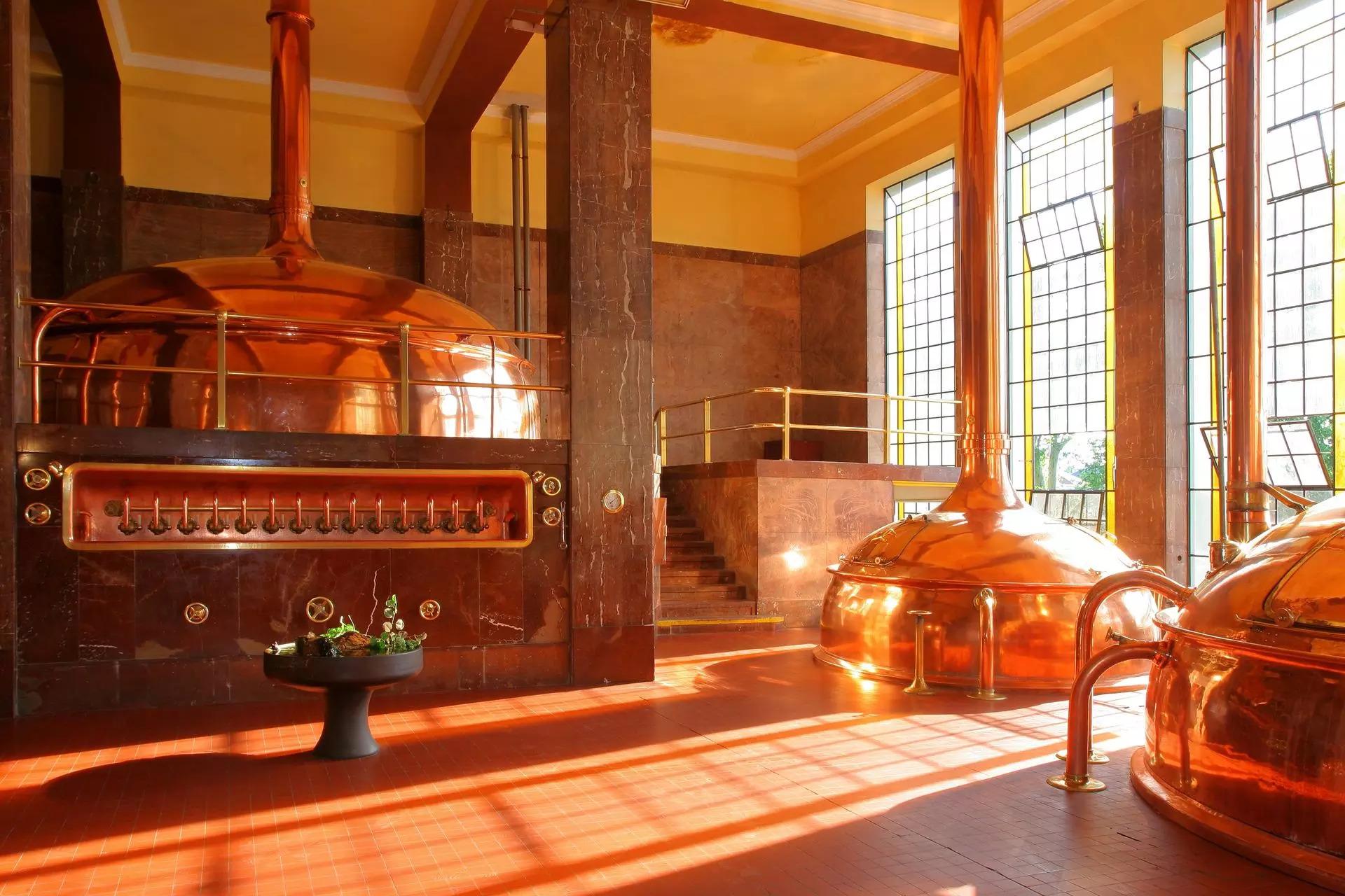 Pivovar Litovel v uzavřené oblasti zastavil výrobu piva, vyrábět nebude nejméně dva týdny