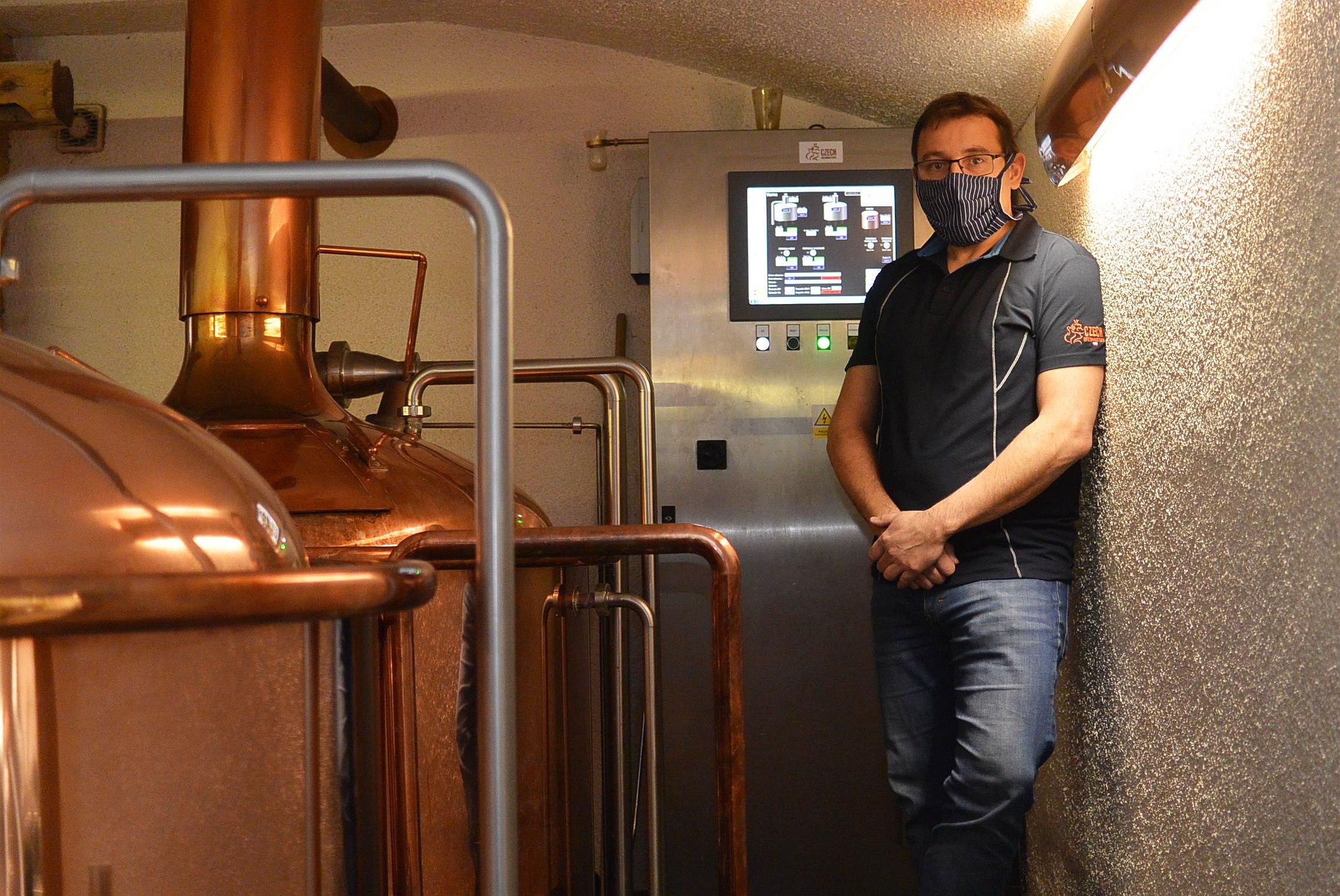 Malé pivovary příliš dlouhou krizi neustojí, obává se jejich stavitel
