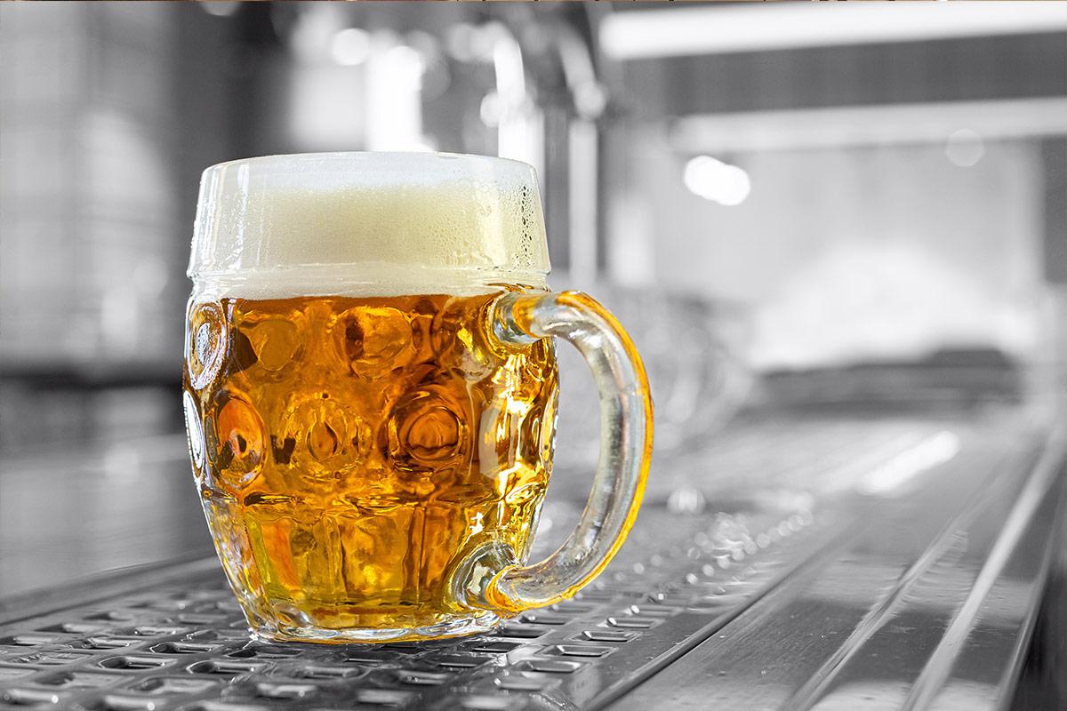 I pivo může chutnat ekologicky. Pivovary se snaží redukovat emise