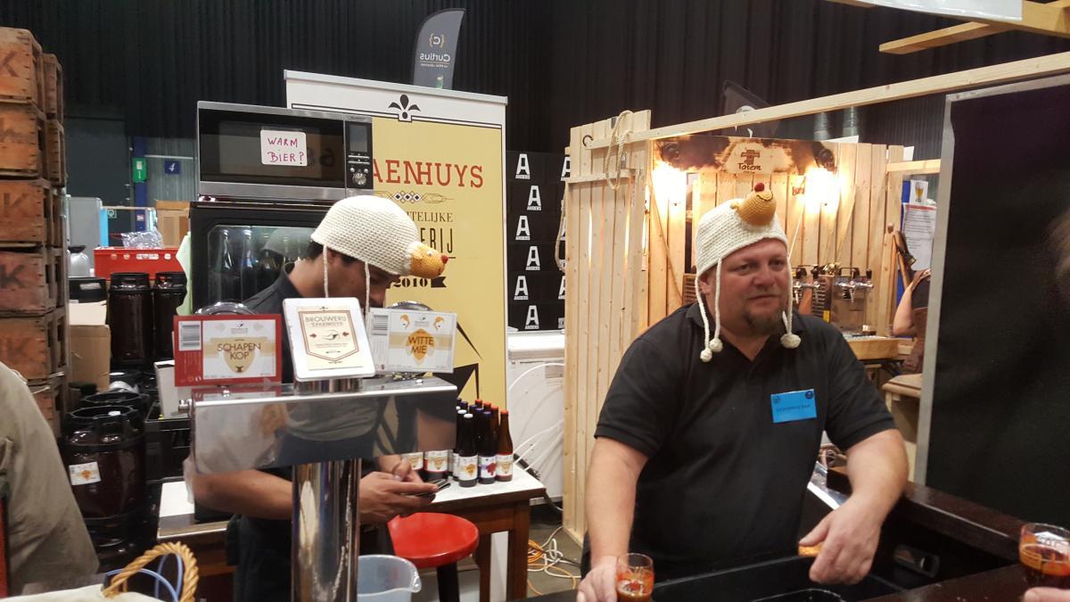 Sladký belgický ležák, chmel Medusa a modré stánky: Filip Nerad popisuje atmosféru pivního festivalu
