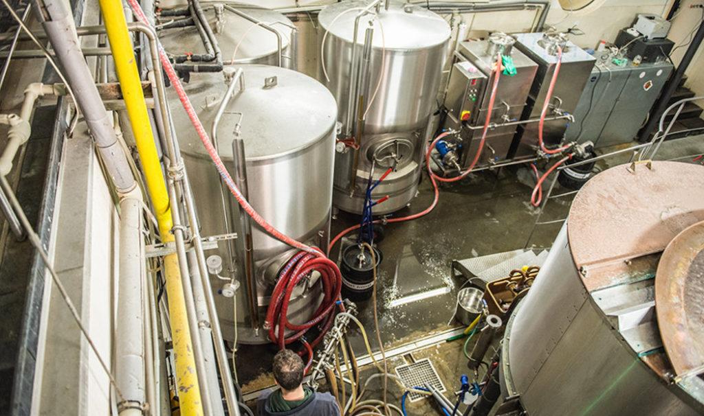 pivovari-pivovary-novinky-vinohradsky-pivovar-je-na-hrane-sve-kapacity-ted-se-musel-prizpusobit-koronakrizi-10