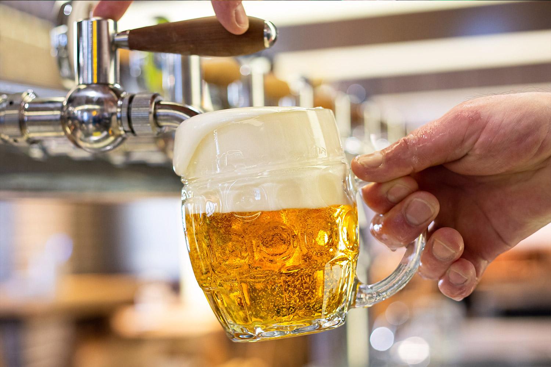 Zachraň hospodu, pivovary zahájily kampaň za záchranu hospod, tržby klesly o 40 pct