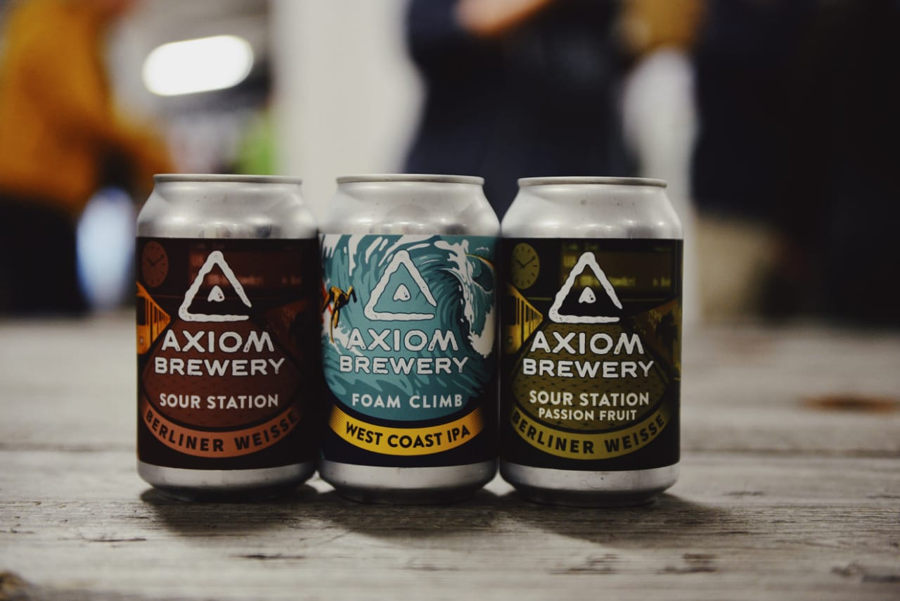 Je lepší pivo ze skla, nebo z plechu? Jak dlouho vám doma vydrží? Odpovídají zkušení sládci