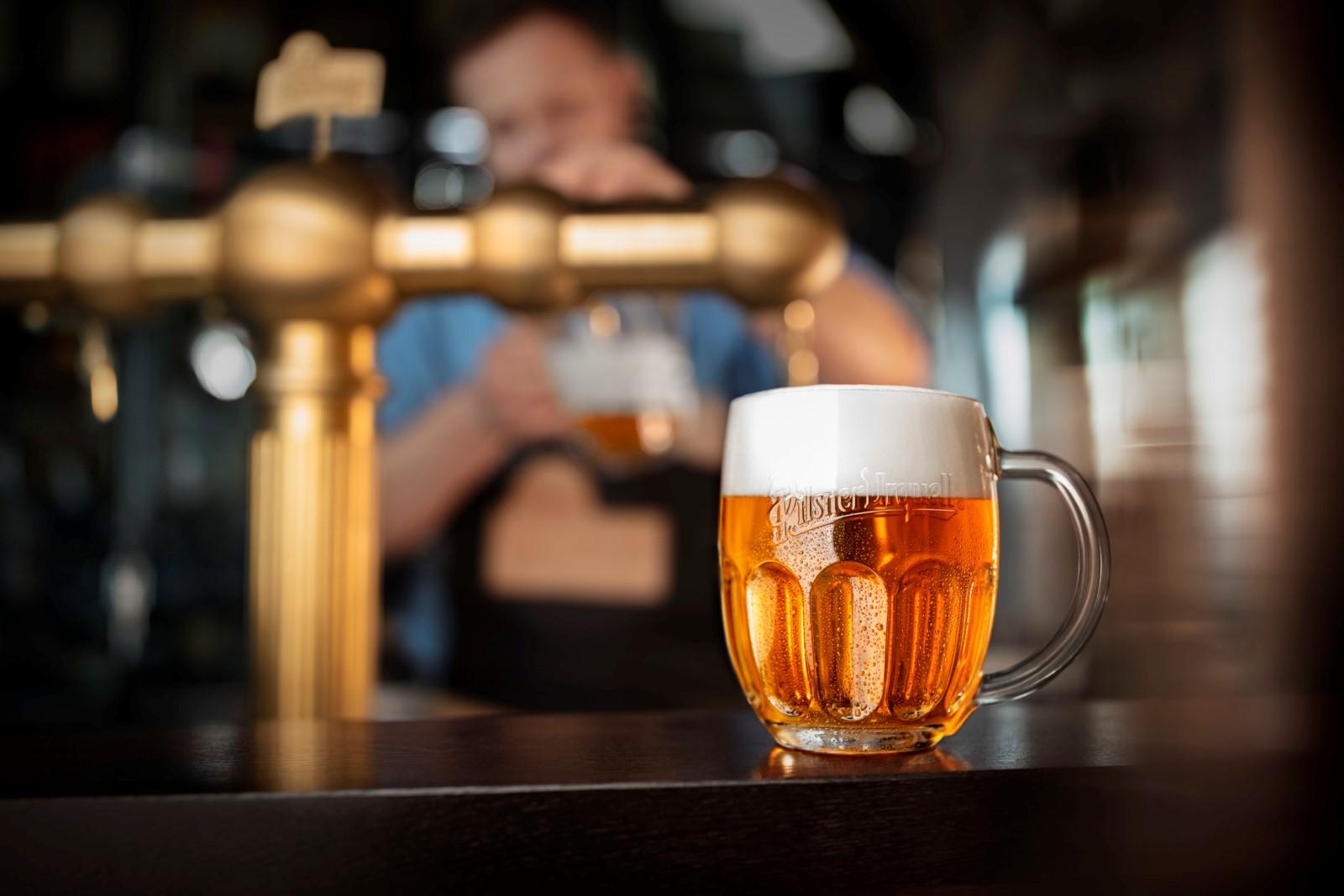 Pomoc hospodám, Plzeňský Prazdroj jim zdarma vymění veškeré prošlé pivo za čerstvé