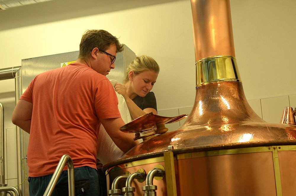 pivovari-pivovary-novinky-po-pauze-trvajici-ctvrt-stoleti-se-v-opet-vari-pivo-v-domazlickem-mestskem-pivovaru
