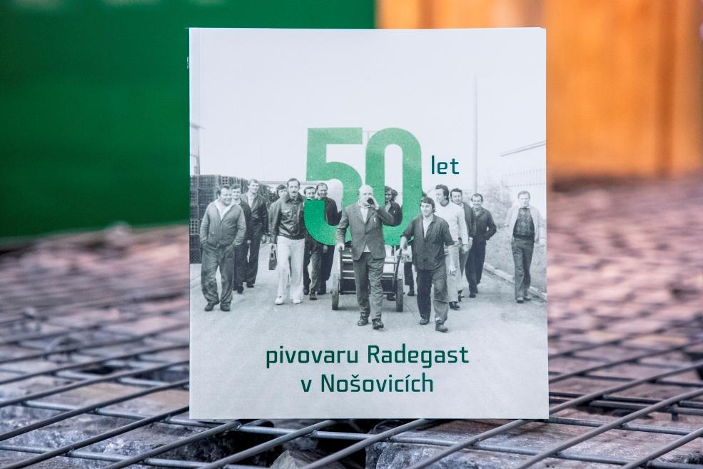 Život je hořký. Vyšla kniha 50 let pivovaru Radegast