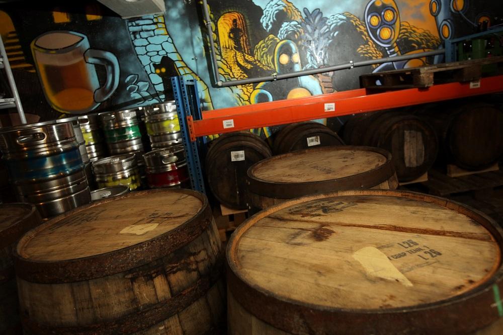 pivovari-pivovary-novinky-nechteli-jsme-byt-dalsim-pivovarem-se-stredovekym-letopoctem-v-erbu-rikaji-zakladatele-futuristickeh-04