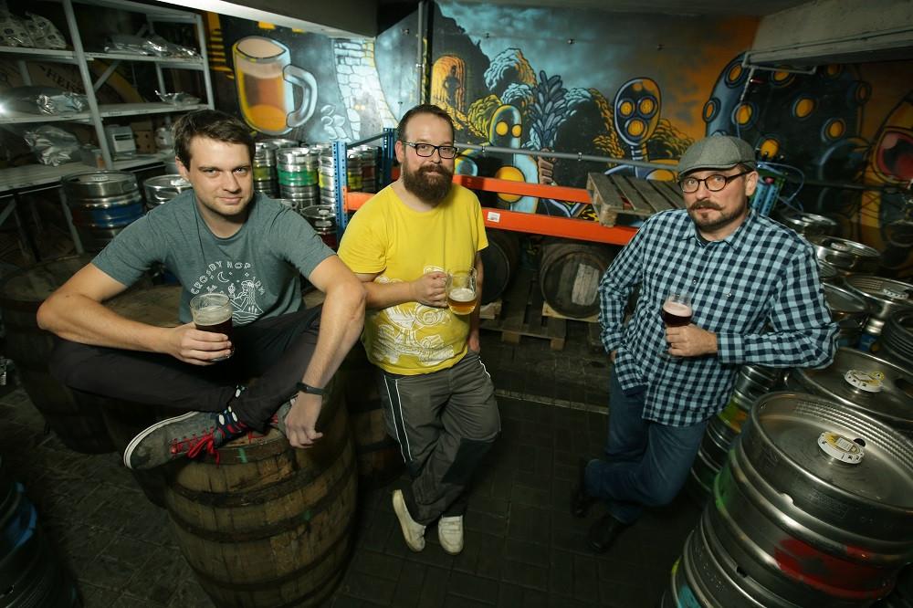 pivovari-pivovary-novinky-nechteli-jsme-byt-dalsim-pivovarem-se-stredovekym-letopoctem-v-erbu-rikaji-zakladatele-futuristickeh