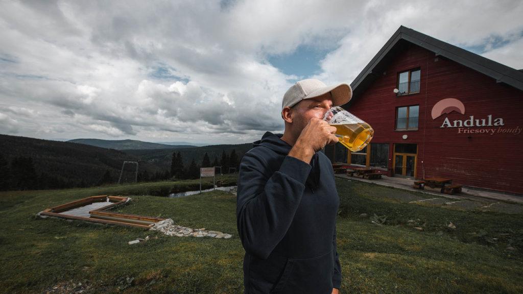pivovari-pivovary-novinky-pivo-hory-a-vyhledy-kam-za-minipivovary-v-krkonosich