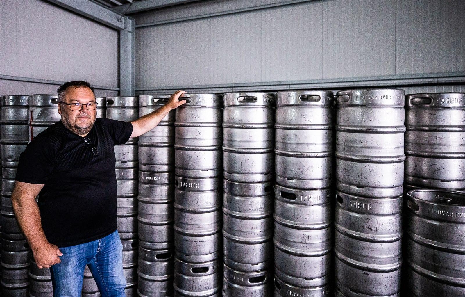 Chtěl jsem se pivem bavit, ale je to boj o přežití, říká dvorský pivovarník