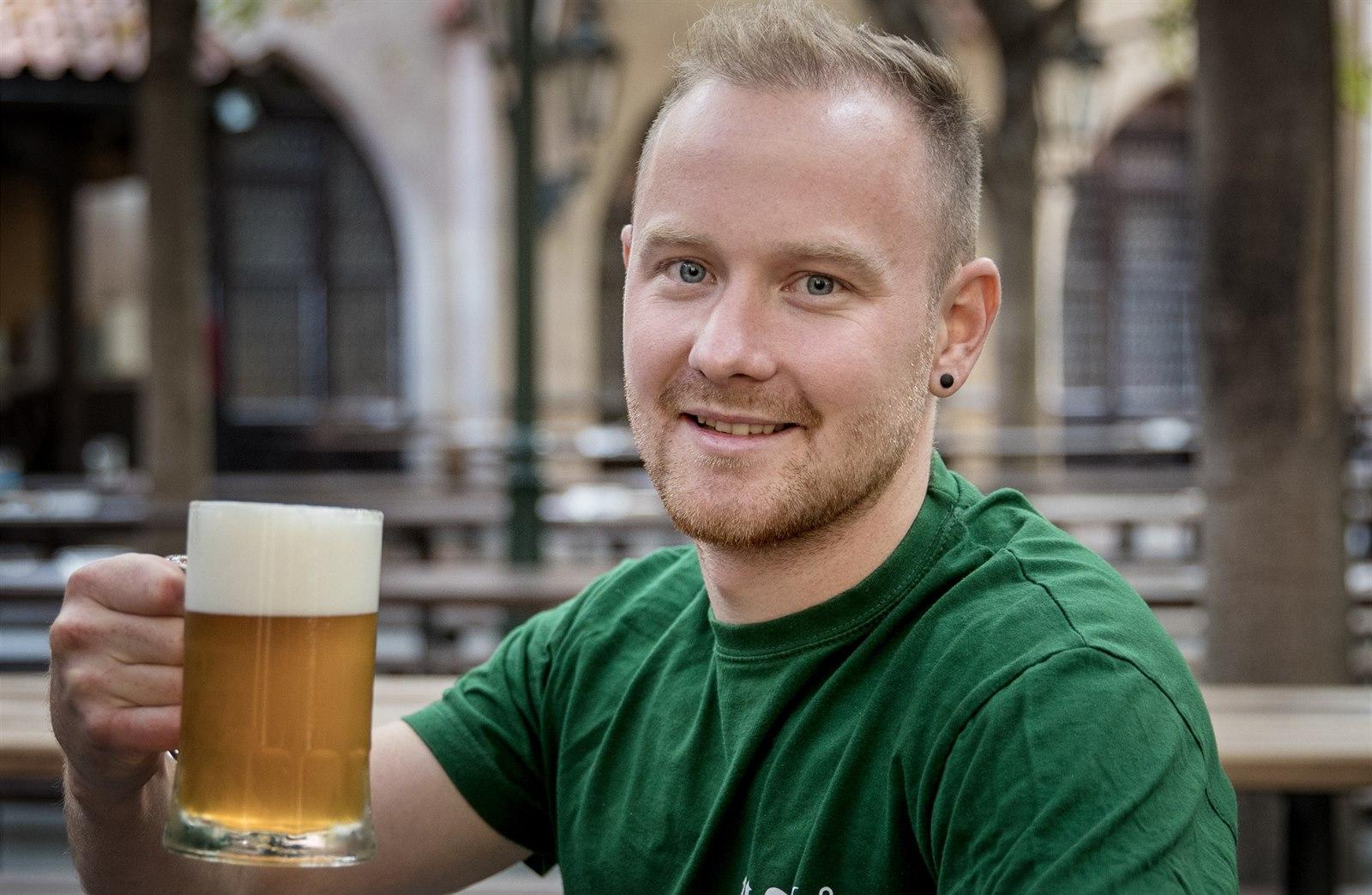 Po 177 letech se U Fleků roztočí světlé, pivovar vábí Čechy