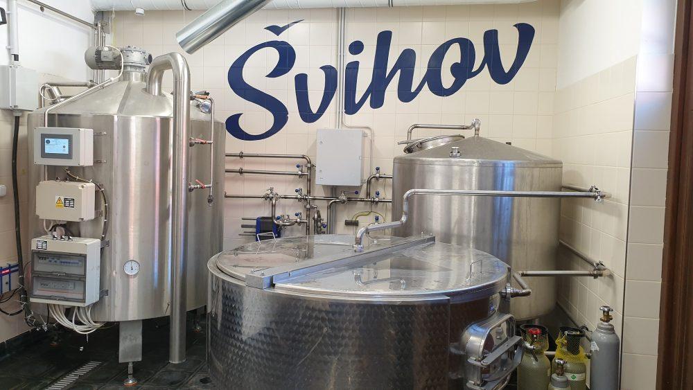 pivovari-pivovary-novinky-minipivovar-svihov-holandske-belgicke-pivo-lezak-pojizdny-vycep-koronakrize-07