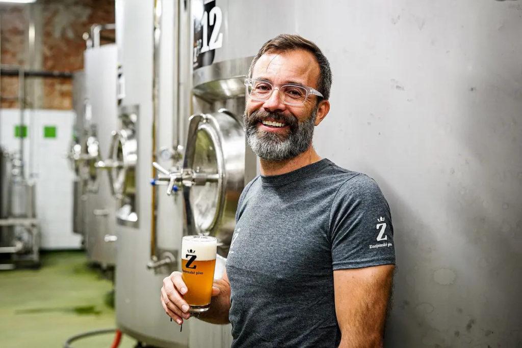 pivovari-pivovary-novinky-z-cezu-zbehl-k-minipivovarum-je-to-jiny-svet-plny-emoci-a-pokory